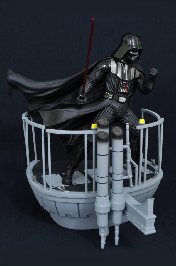 Gentle Giant Star Wars The Empire Strikes Back - Darth Vader Milestones Statue